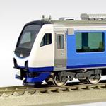 JR東日本HB-E300系 リゾートしらかみ「青池」編成